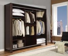 Как бороться с неприятным запахом в шкафу?