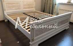 кровать с патиной